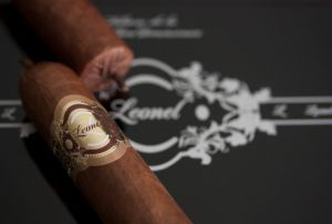 Leonel-Logo59cb9f75a21ff